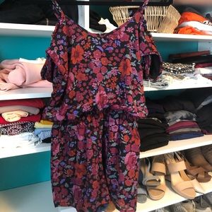 Patterned Romper with Sleeves